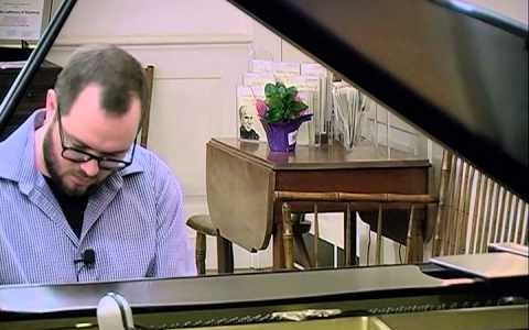 lars with piano